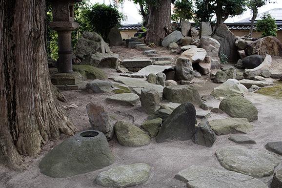 The Kawazumis karesansui(dry landscape garden), 旧河澄家 枯池式枯山水庭園